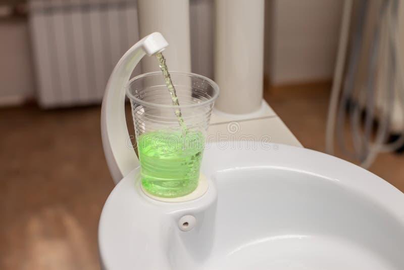 牙洗涤 免版税图库摄影