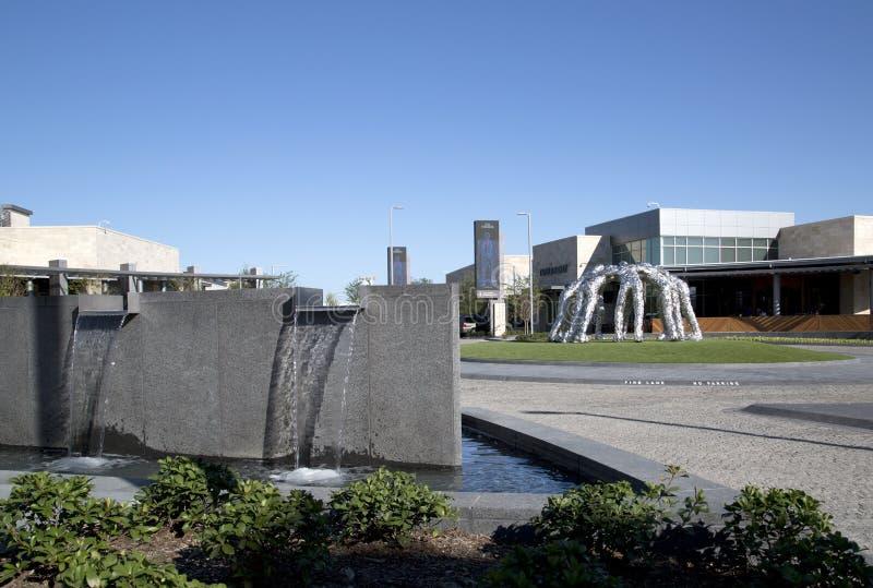 牛仔杂乱的一团雕塑在福特中心 免版税库存图片