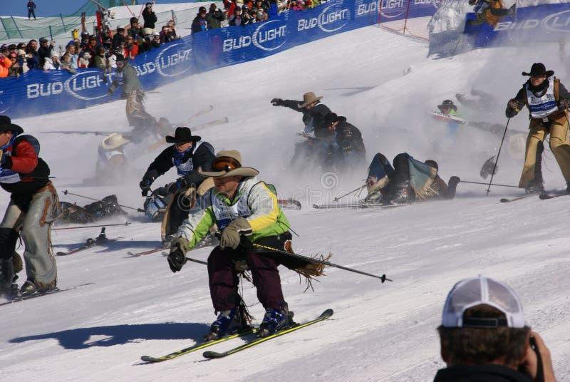牛仔牛仔质量滑雪惊逃起始时间 库存照片