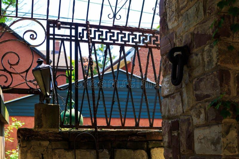 水牛城NY艺术家` s家和演播室从1930年` s水牛城NY有折衷建筑装饰的 免版税库存照片