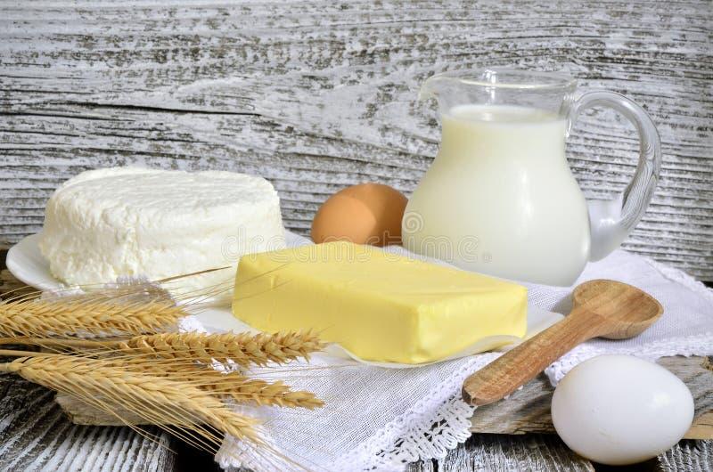 牛奶店空白隔离的产品 库存图片