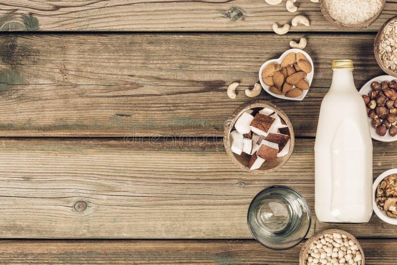 牛奶店自由牛奶替代品饮料和成份 图库摄影