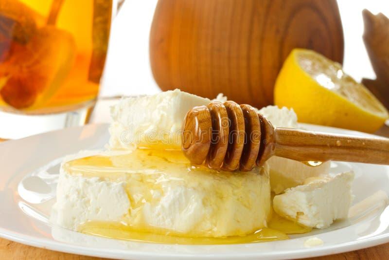 牛奶酸奶干酪用蜂蜜 库存图片
