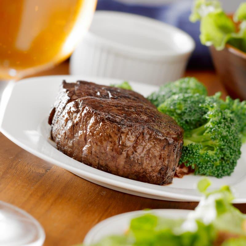 牛排正餐用酒 免版税图库摄影