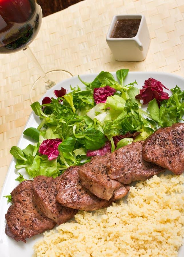Download 牛排里脊肉 库存照片. 图片 包括有 投反对票, browne, 饮食, 午餐, 猪肉, 谷物, 红色, 剪切 - 22353328
