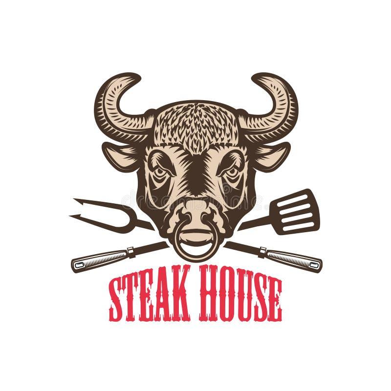 牛排餐厅 有厨房工具的公牛头 设计商标的,标签,象征,标志元素 皇族释放例证