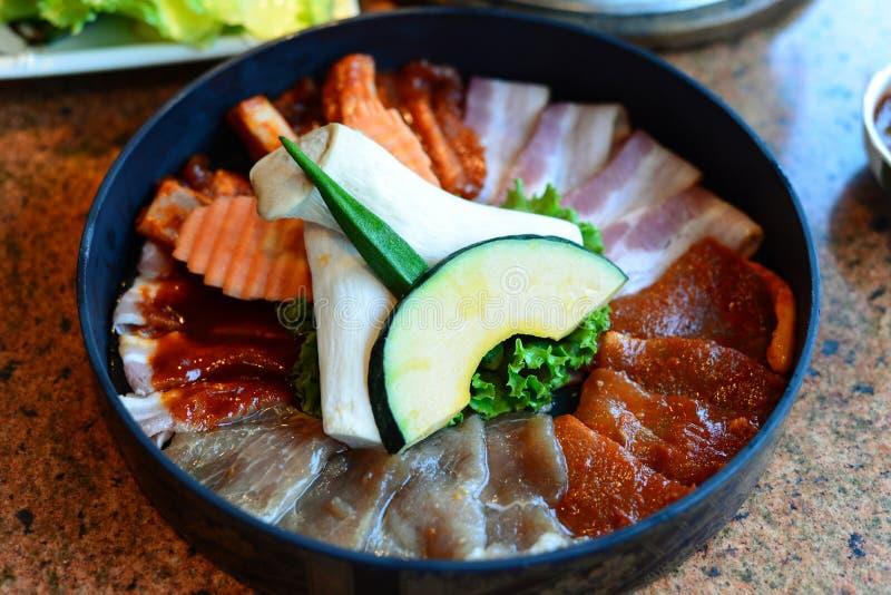 牛肉和猪肉烤肉格栅集合;韩国烹调 库存照片
