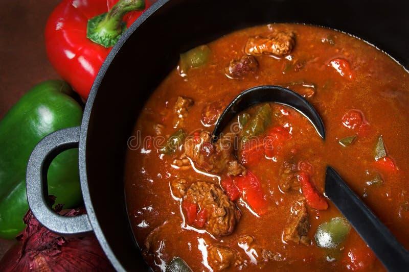 牛肉墩牛肉炖煮的食物 免版税库存照片