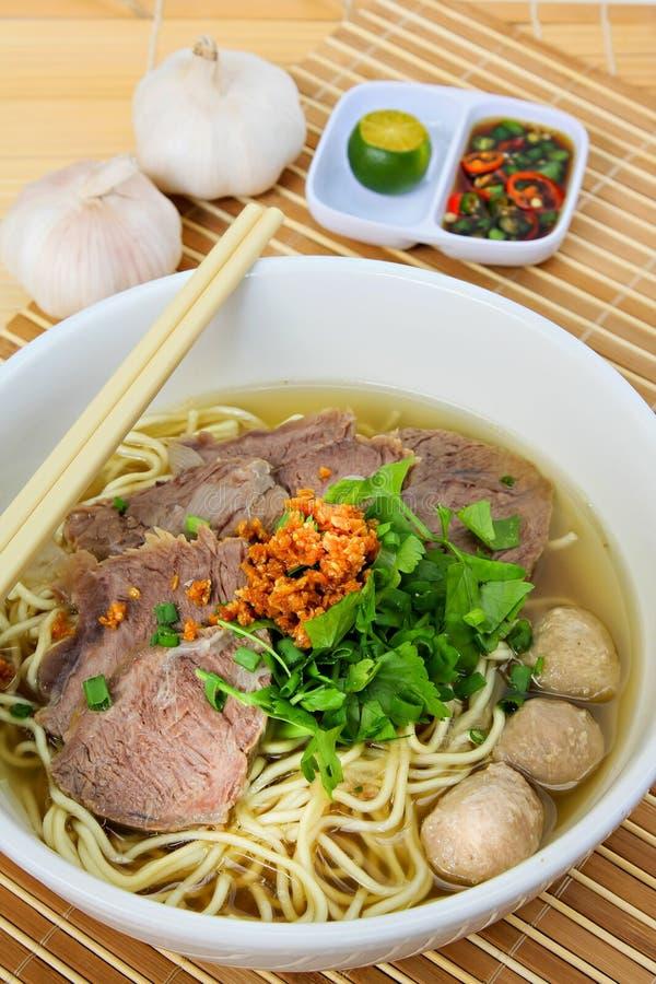 牛肉汤面炖煮的食物 免版税图库摄影