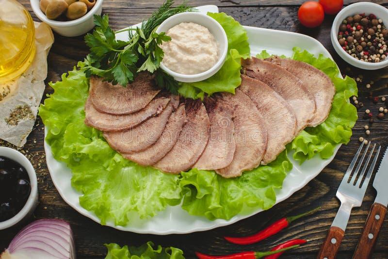 Download 牛舌肉 库存照片. 图片 包括有 图象, 膳食, 对象, 正餐, 贝多芬, 可口, 新鲜, 自然, 午餐 - 72357792