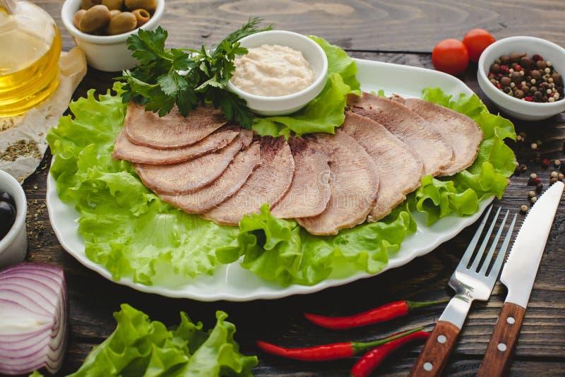 Download 牛舌肉 库存照片. 图片 包括有 美食, 捷克人, 健康, 烹调, 苹果酱, 剪切, 熟食, 装饰, 自然 - 72357894