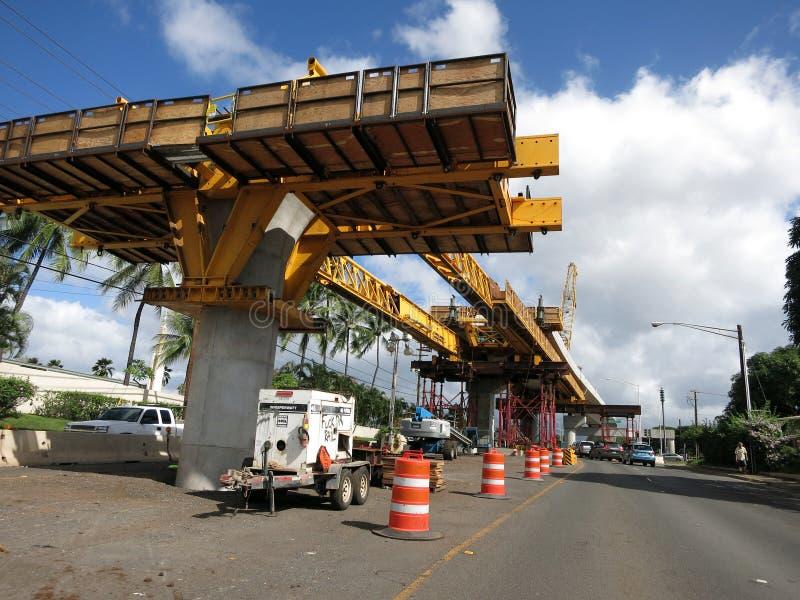 牡鹿轻的路轨具体导沟建设中在路cen中 免版税库存照片