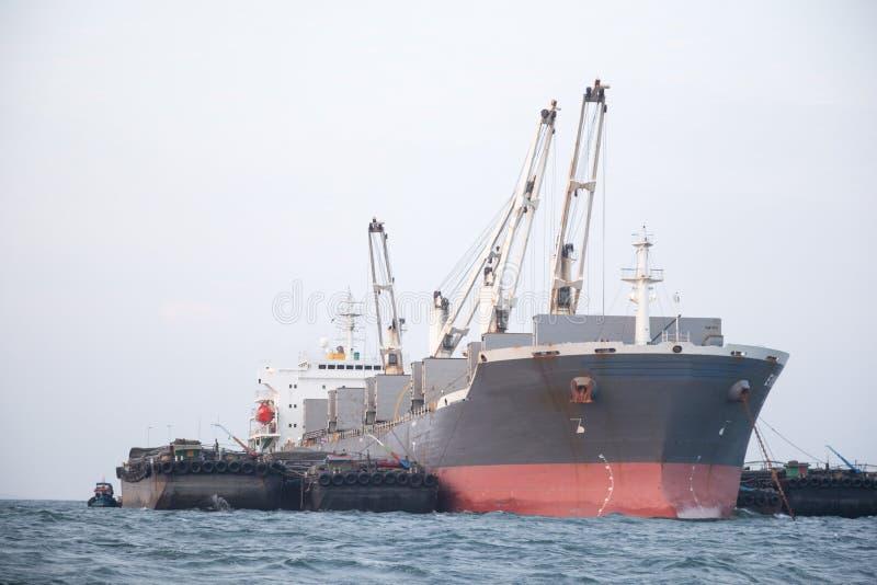 货物大船 免版税库存照片