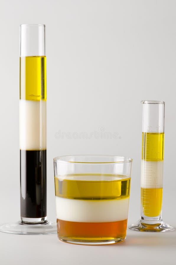 物理 在separed层数的不溶的液体 库存照片