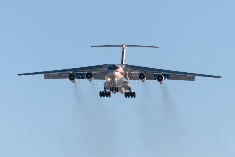 货物航空器伊尔-76俄国EMERCOM登陆 图库摄影