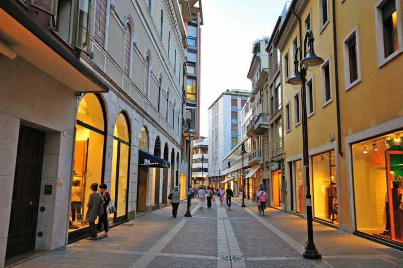 购物街道在帕多瓦市中心,意大利 库存照片