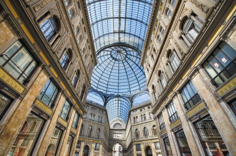 购物画廊圆顶场所翁贝托在那不勒斯,意大利 图库摄影