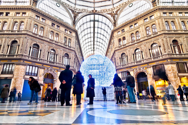 购物画廊圆顶场所翁贝托我在那不勒斯,意大利 免版税库存照片