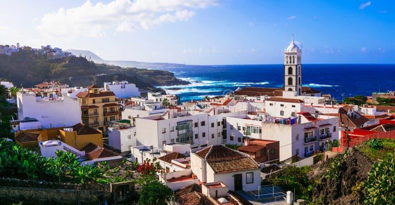 特内里费岛假日和地标-美丽的沿海城市Garachi 库存照片