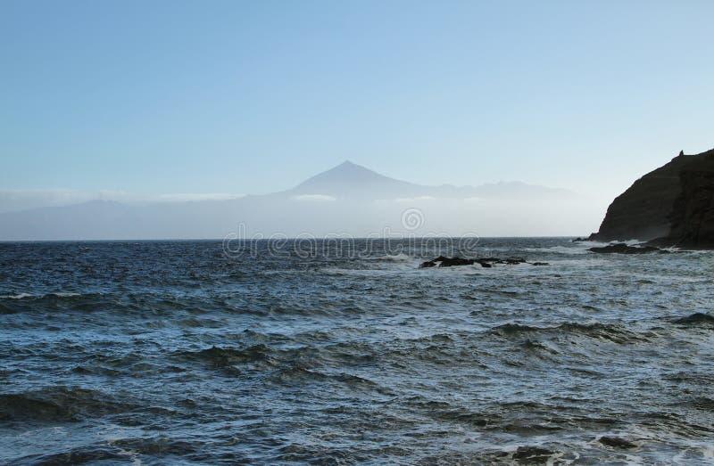 特内里费岛海岛看法从La Caleta海滩的, 库存图片