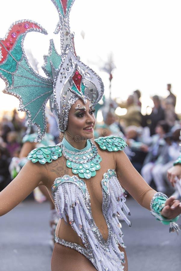 特内里费岛, 2月9日:字符和小组在狂欢节 图库摄影