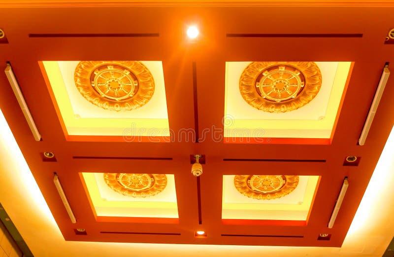 特写镜头在taiw的钟Tai陈修道院装饰天花板 库存照片