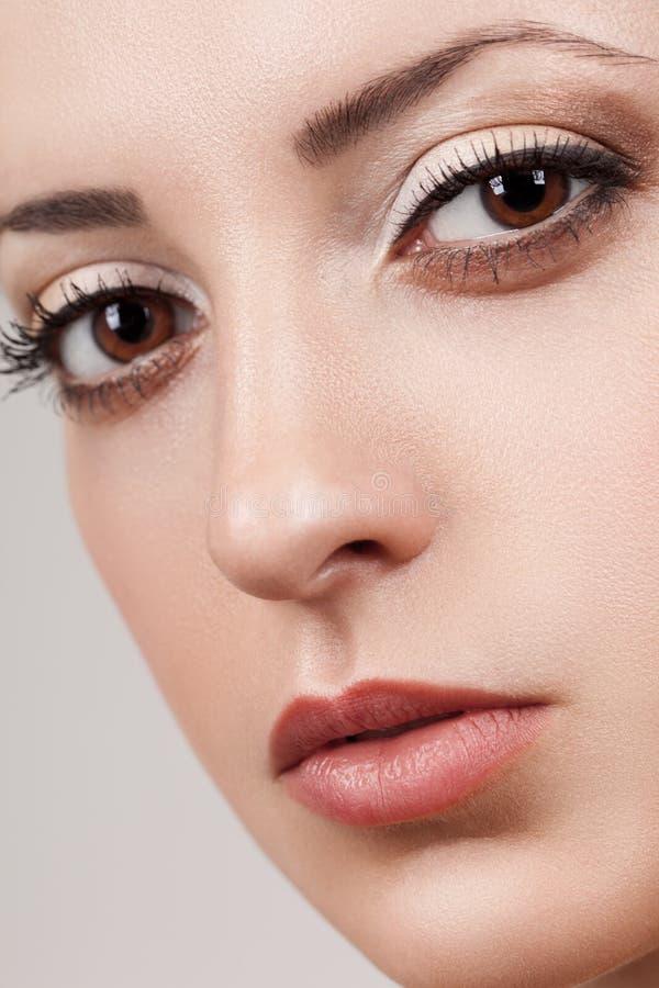 特写镜头妇女美丽的表面 免版税库存图片