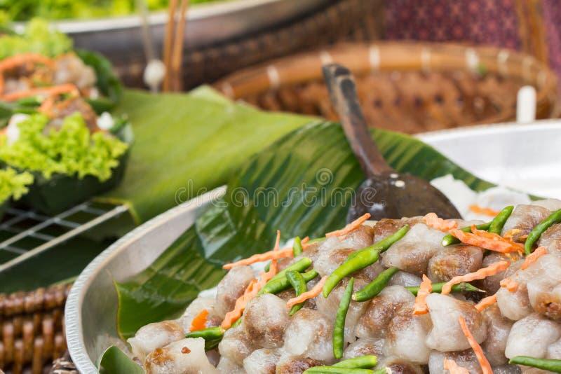 特写镜头甜珍珠粉猪肉饺子球或SaKu Sai Muu是Th 免版税库存图片
