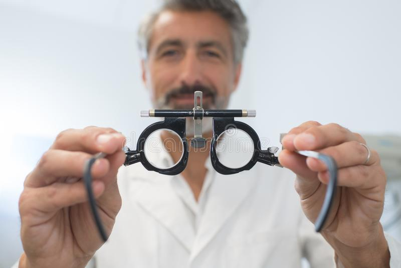特写镜头眼睛测试玻璃 库存照片