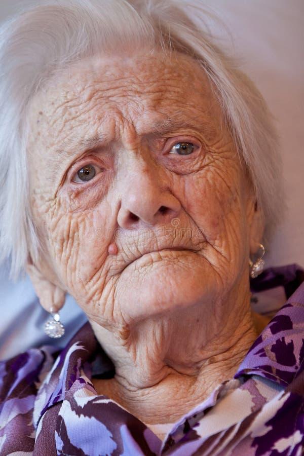 特写镜头老妇人 免版税库存照片