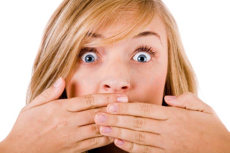 特写镜头覆盖物新她的嘴的妇女 免版税库存图片