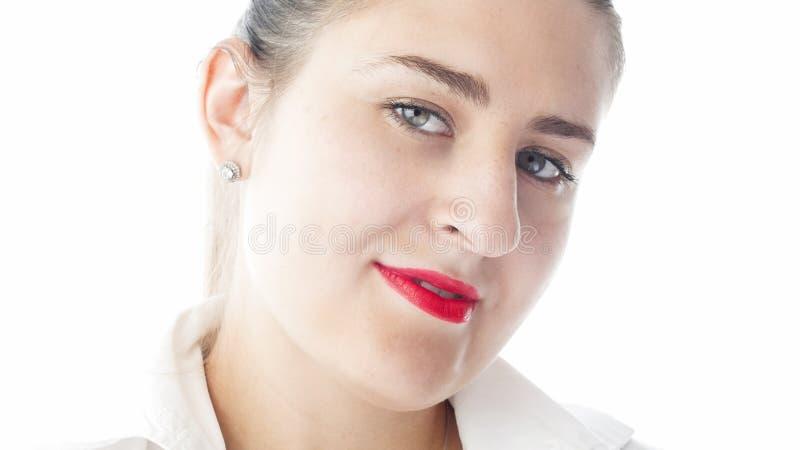 特写镜头隔绝了性感的年轻女实业家画象有红色唇膏的 免版税库存图片
