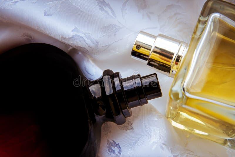 特写镜头两香水 图库摄影