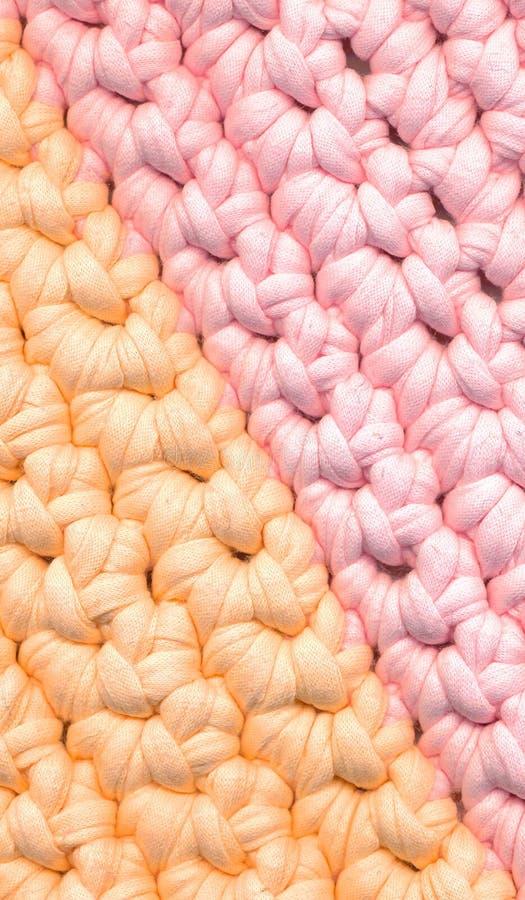 特写镜头五颜六色的钩针编织碎呢地毯 免版税库存图片