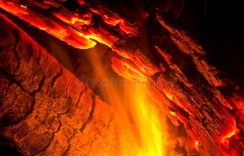 Download 特写镜头日志烧 库存图片. 图片 包括有 木炭, 木头, 烧焦, 火焰, 篝火, 忽悠, 黑暗, 户外, 营火 - 30325279