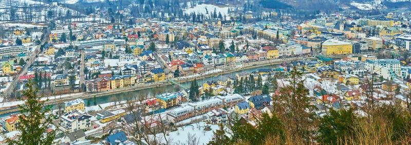 特劳恩河河鸟瞰图在巴德伊舍,萨尔茨卡默古特,奥地利 库存照片