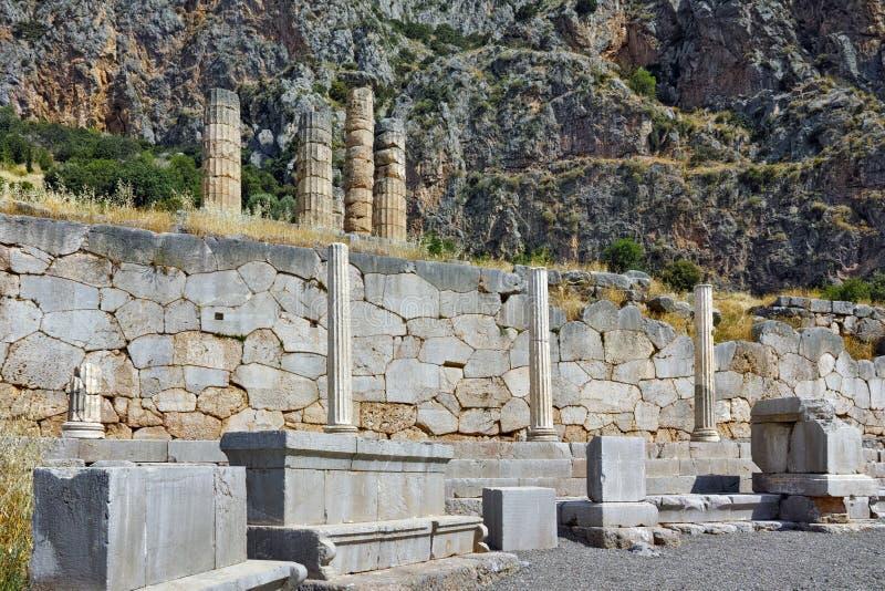 特尔斐,希腊古希腊考古学站点的被排行的专栏  库存图片