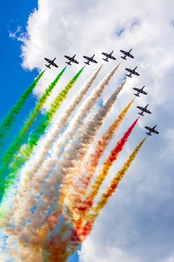 特技示范队Frecce Tricolori airshow 免版税库存图片