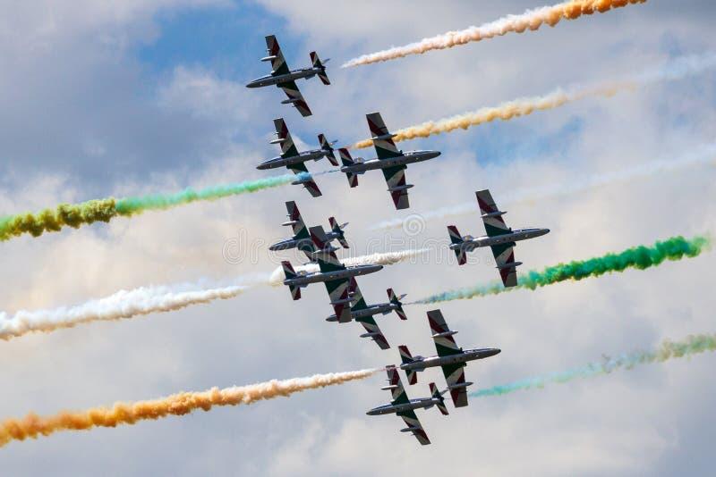 特技示范队Frecce Tricolori airshow 免版税图库摄影
