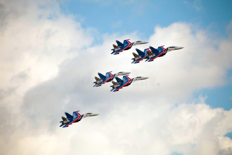 特技队俄国骑士(vityazi)在Th的飞机米格-29上 免版税图库摄影