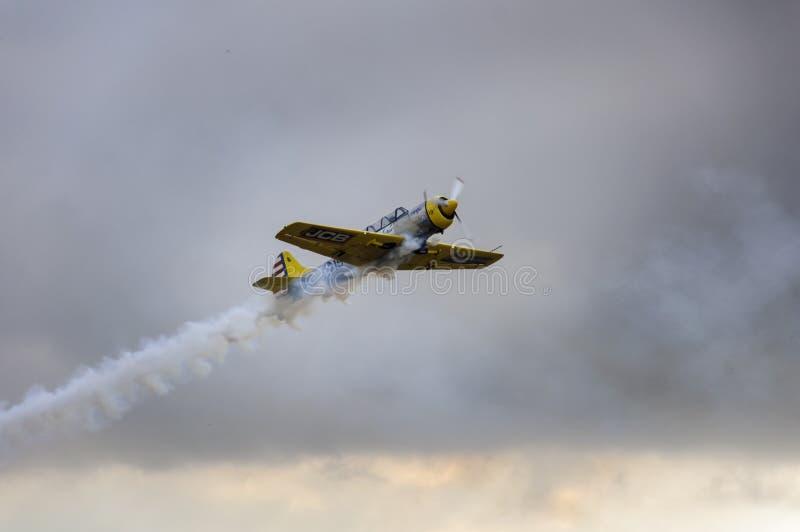 特技飞行飞机展示 免版税库存图片