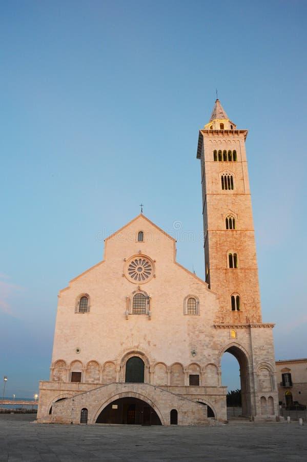 特拉尼大教堂日落,普利亚,意大利 库存图片