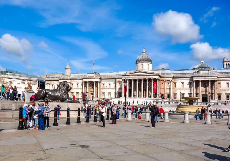特拉法加广场的国家美术馆,伦敦,英国 图库摄影