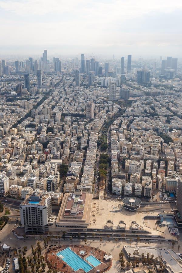 特拉维夫地平线以色列鸟瞰图城市纵向格式摩天大楼 库存图片