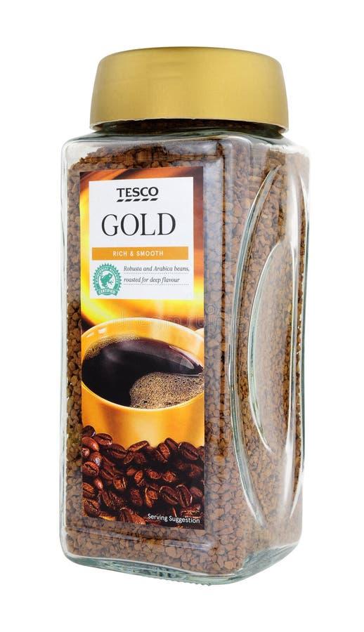 特易购超市罐头自有品牌金混速溶咖啡冲剂 免版税库存照片