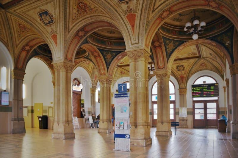 特普利采,捷克共和国- 2018年3月06日:主要火车站内部历史大厦从年185命名了特普利采v Cechach 免版税库存照片