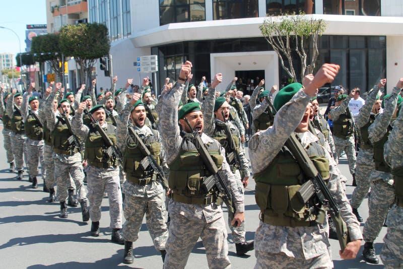 特种部队的军人在游行的 免版税图库摄影