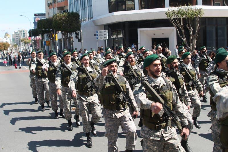 特种部队的军人在游行的 图库摄影