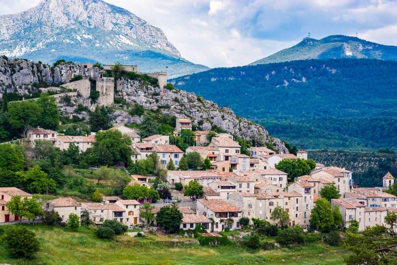 特里冈斯中世纪小山顶村庄在法国 库存照片