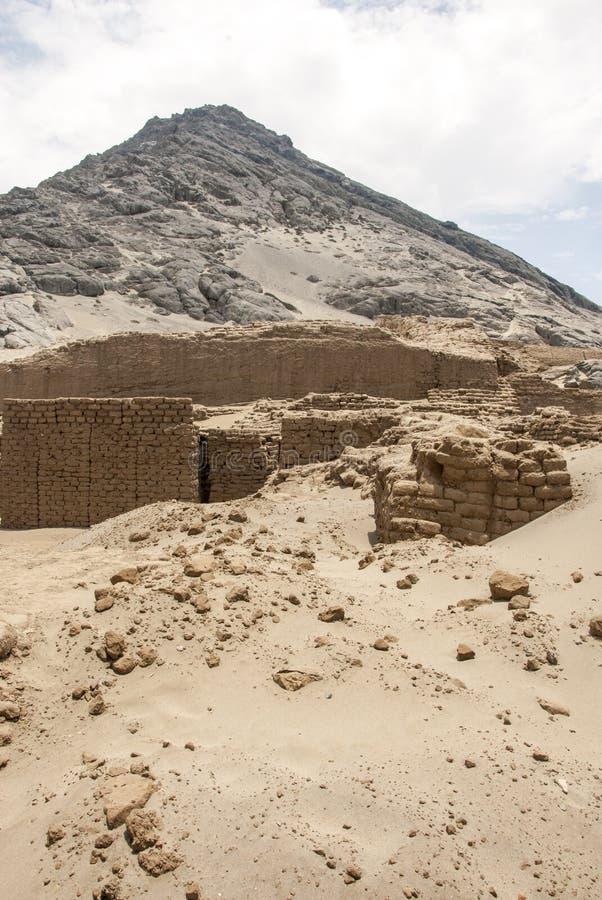 特鲁希略角- Salaverry的秘鲁昌昌考古学站点 免版税库存照片